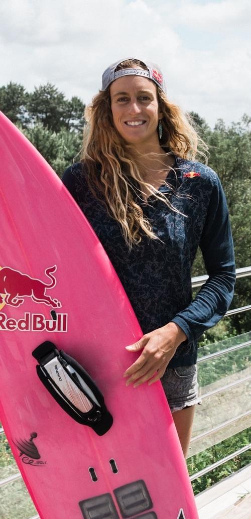 justine dupont surf masterclass skilbill 500x10341 - Skilbill Sports Master Classes Online